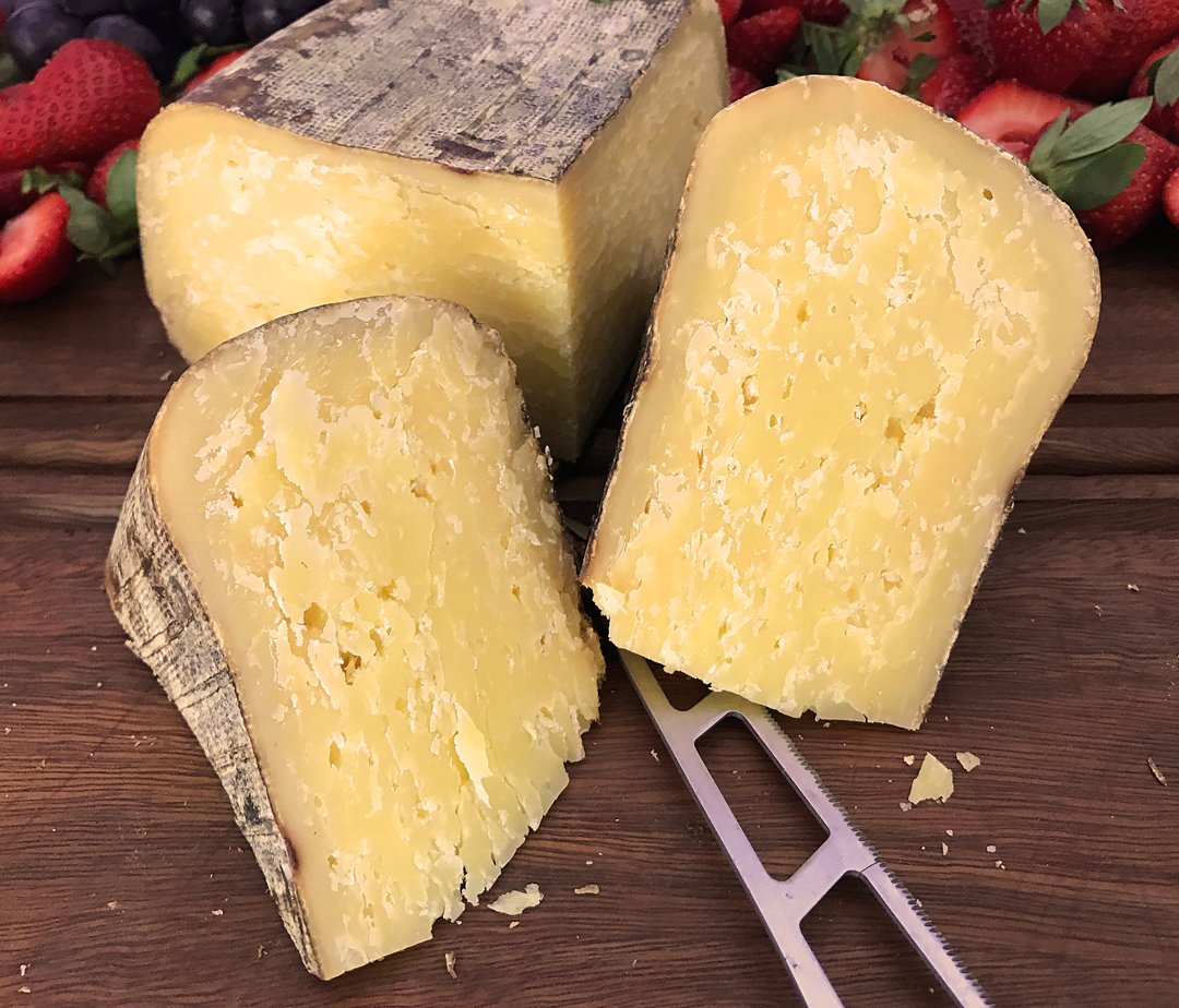 Mahon Curado - Cave Matured - Raw Milk